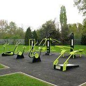 Спортивное оборудование и детские игровые площадки